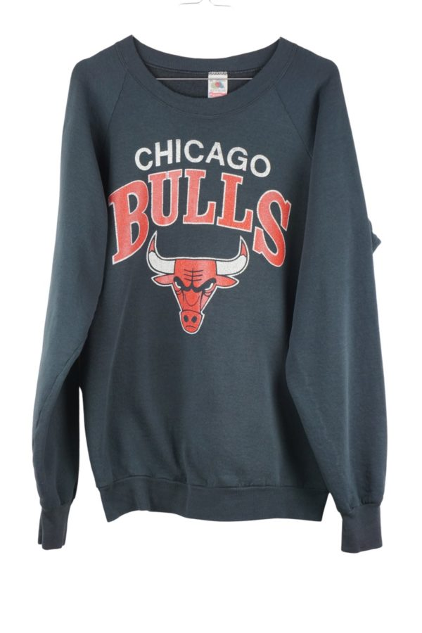 1990s-nba-chicago-bulls-spell-out-vintage-sweatshirt